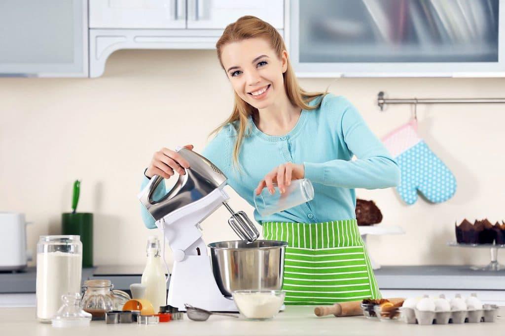 Küchenmaschine im Einsatz - Mahlvorsatz, Mahlaufsatz für Küchenmaschinen